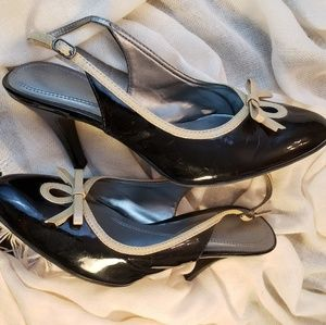 Naturalizer slingback black pumps with bow